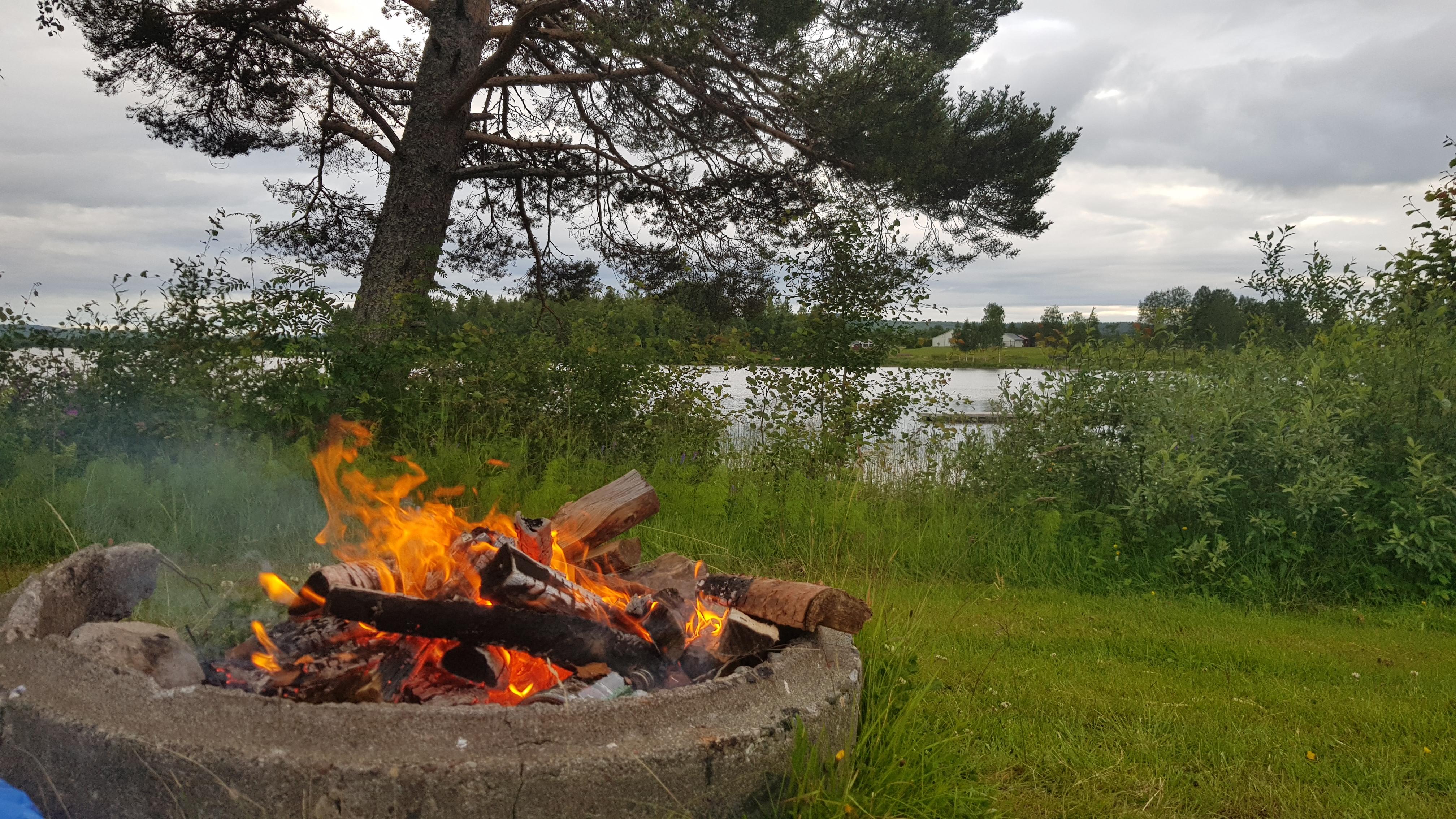 Tack för elden Jörgen – Johanna trampar runt